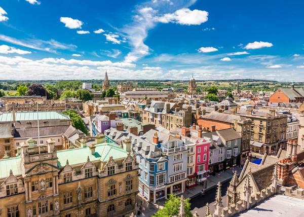 Estudia en Oxford